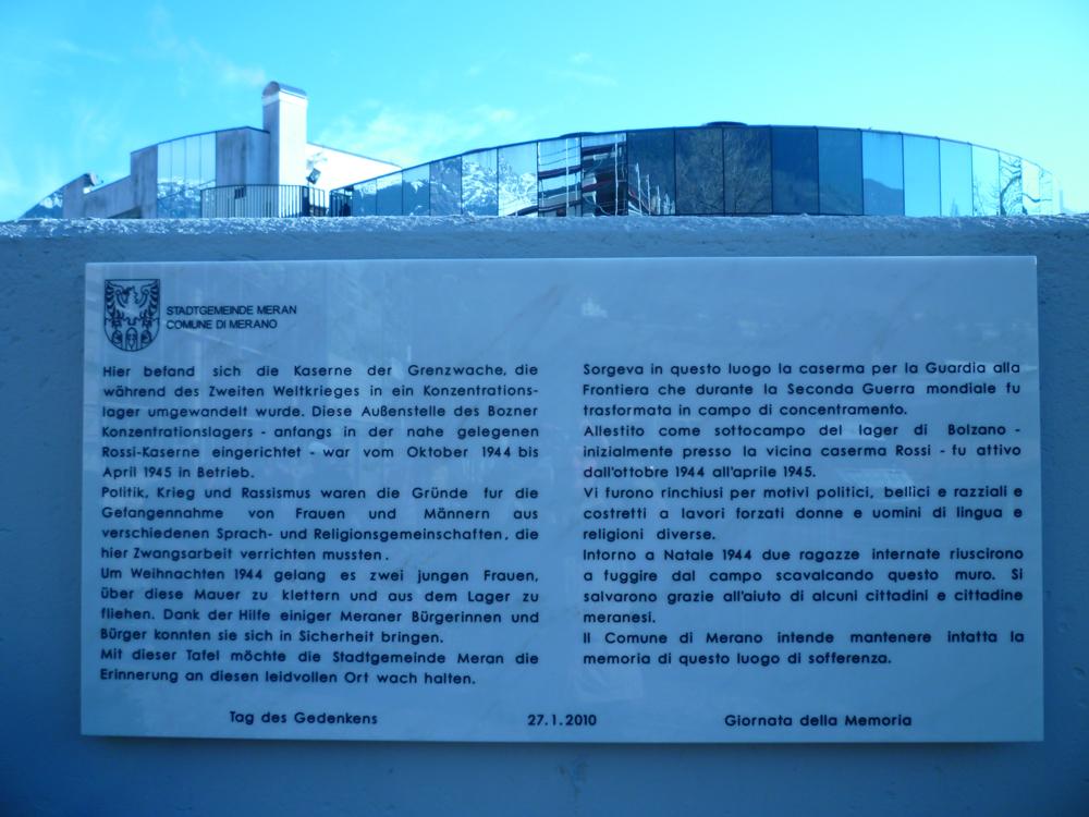 Merano: la lapide che racconta la storia del sottocampo del lager di Bolzano