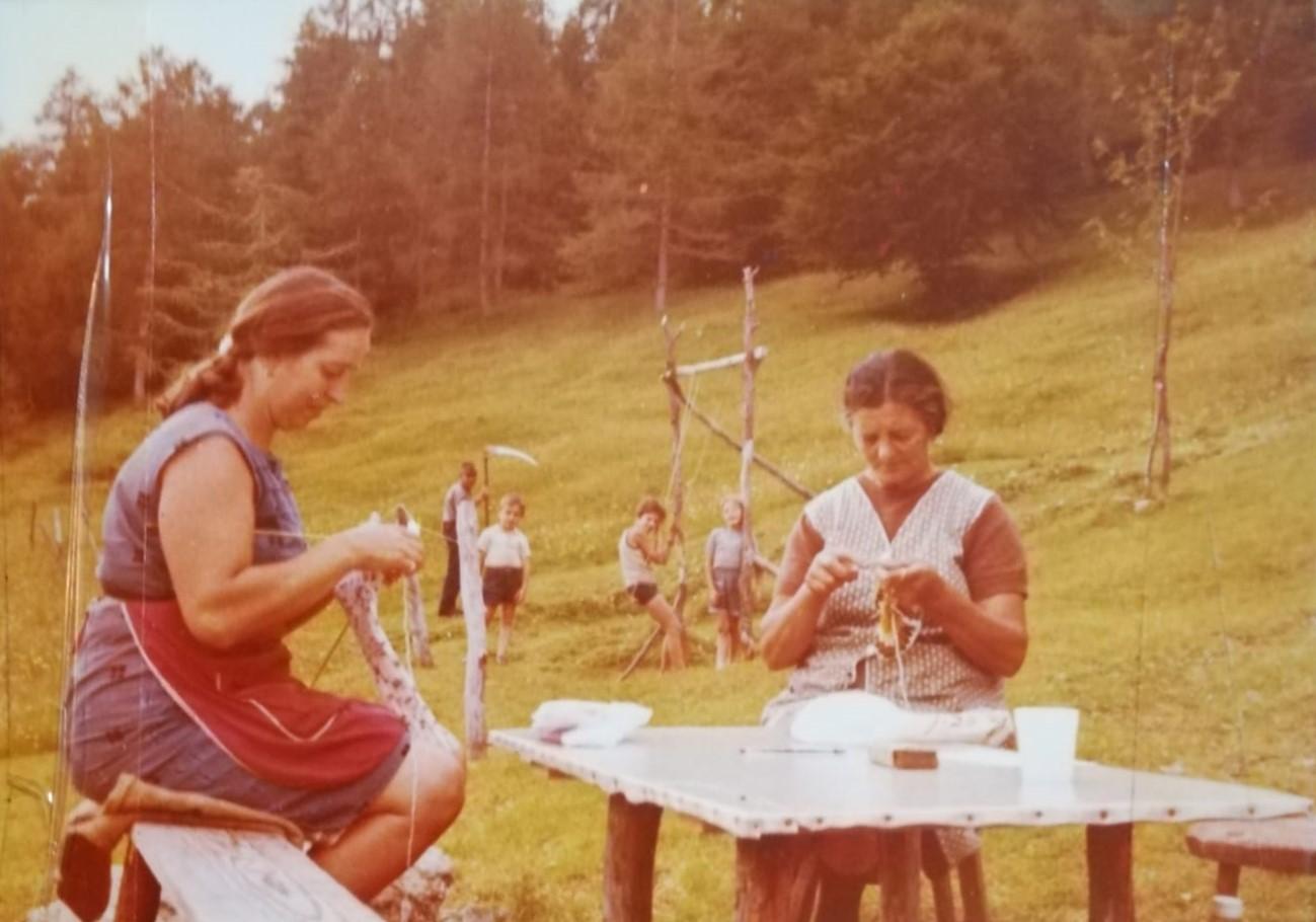 Dalla vita quotidiana nelle malghe al falciatura dei prati. Il lavoro delle donne in montagna al centro di un'iniziativa dell'Ecomuseo del Lagorai