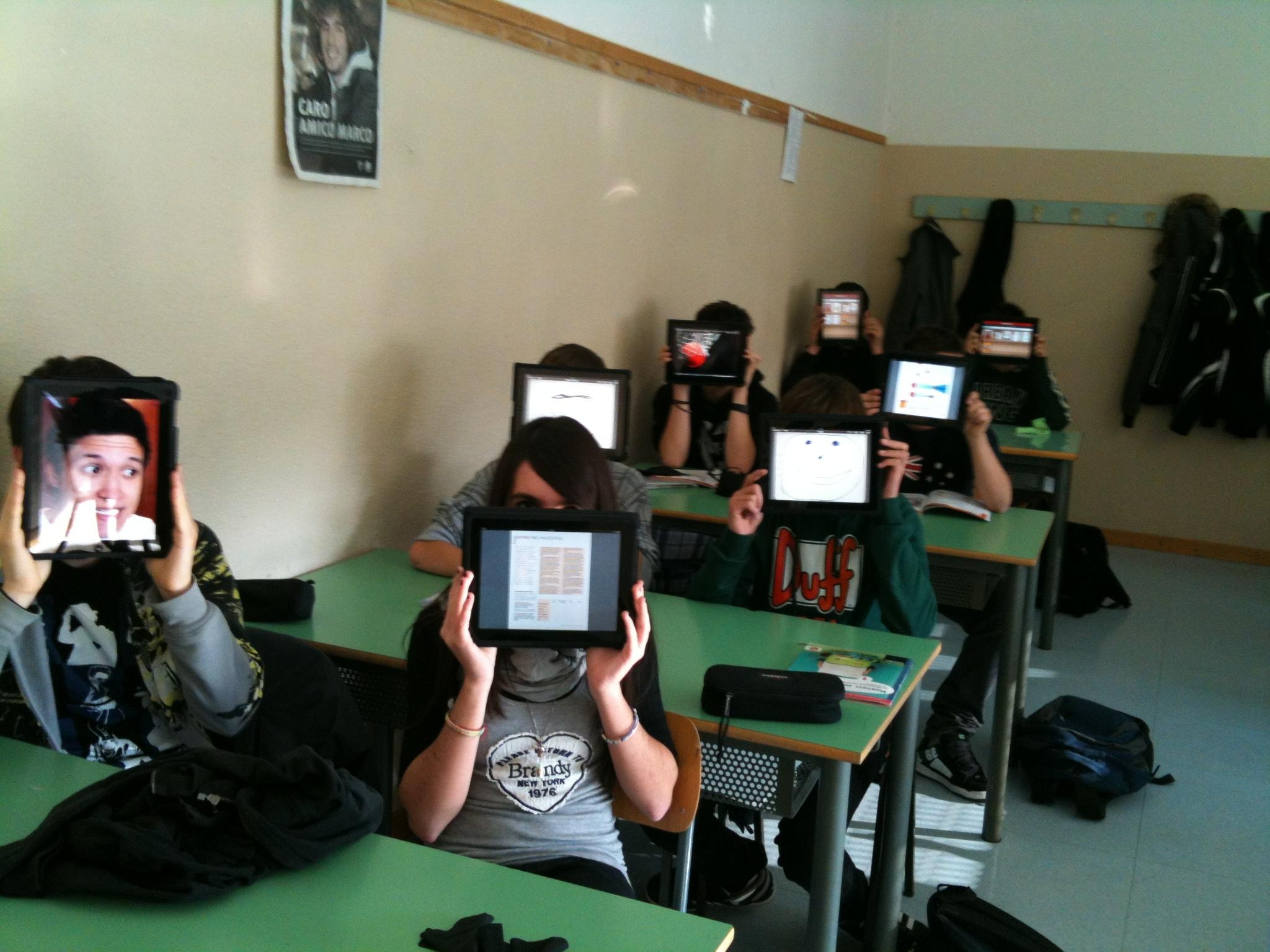 Giovani nativi digitali