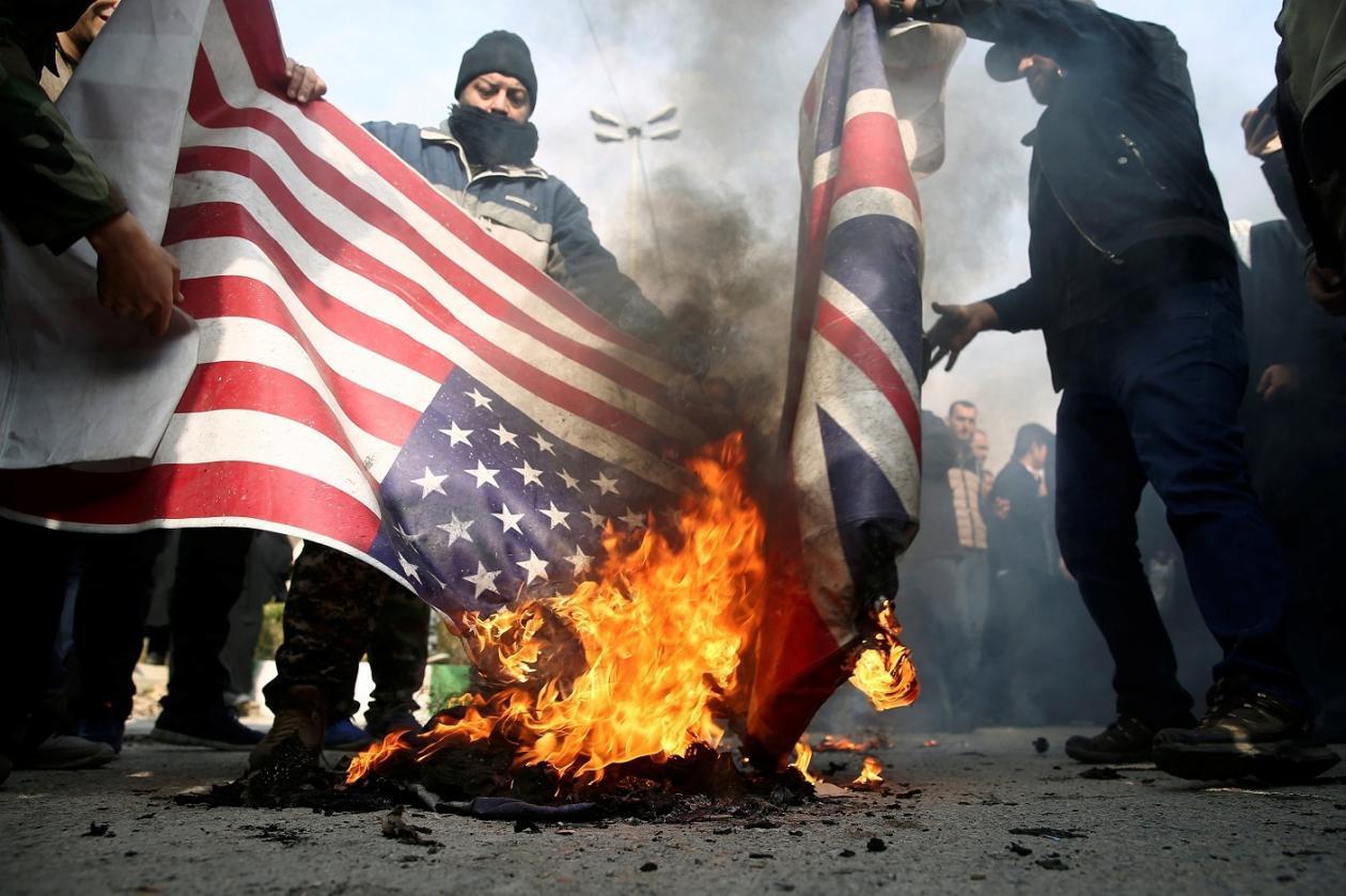 Iran: protesta contro gli Americani