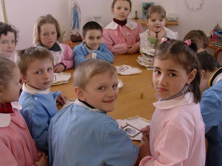 Infanzia - Bambini alla scuola materna