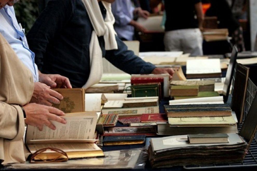 Bancarella di libri