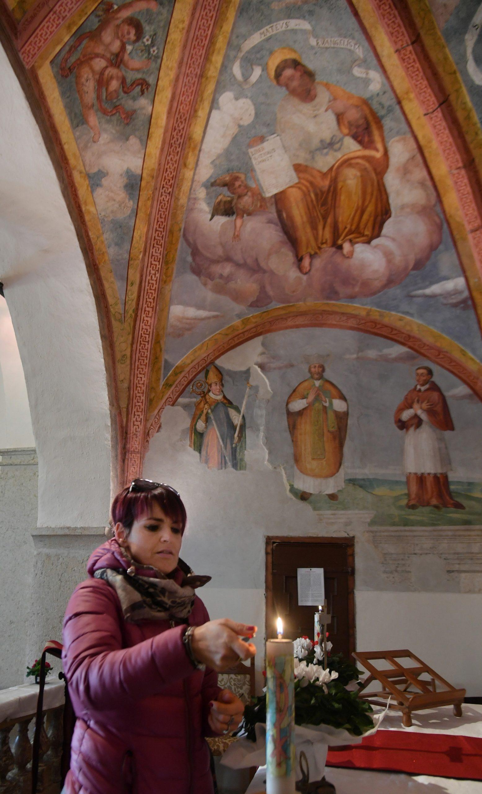 Anche i servizi durante la liturgia hanno sempre un riferimento diretto alla Parola (foto Zotta)
