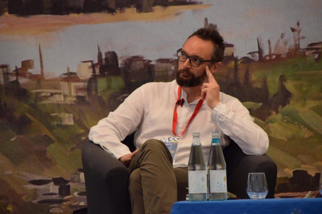 Lo storico Francesco Filippi nella foto di Valentina Ochner