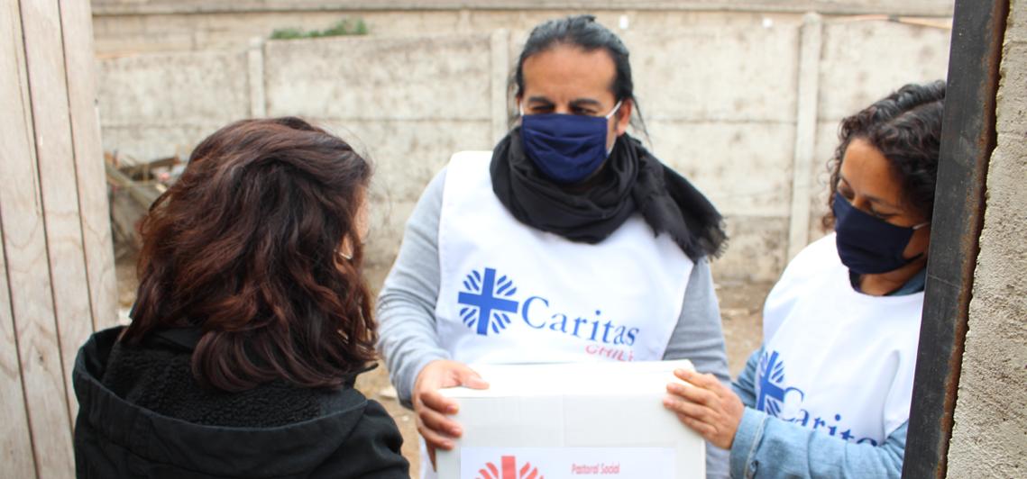 """La Chiesa cilena attraverso la Caritas ha promosso la campagna """"Nessuno resta solo"""". Foto Sir"""