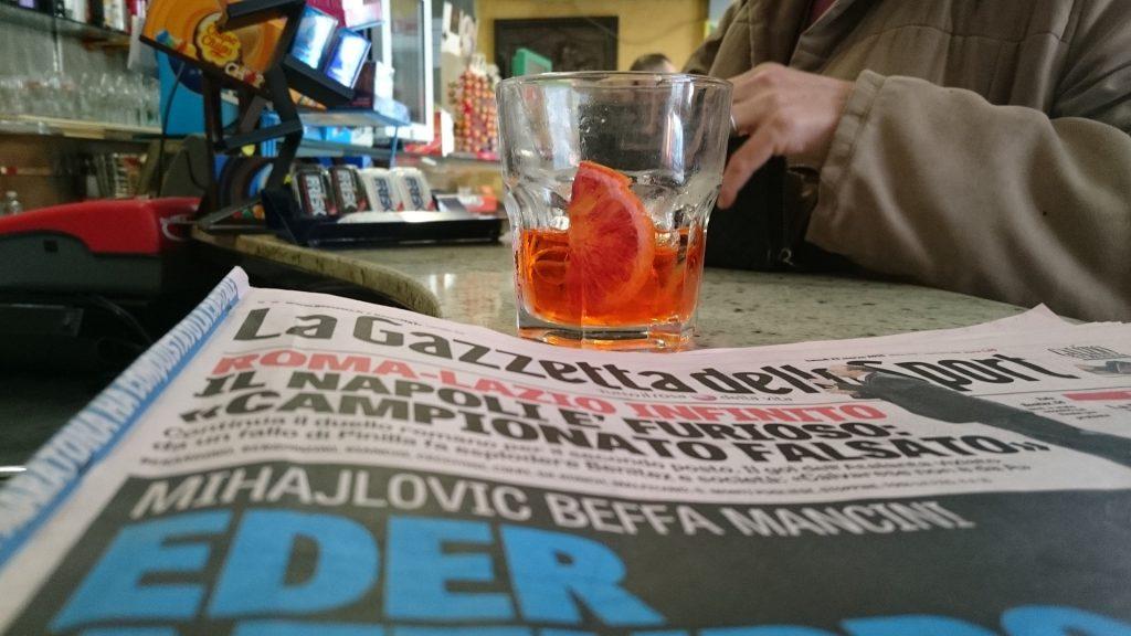 giornale al bar