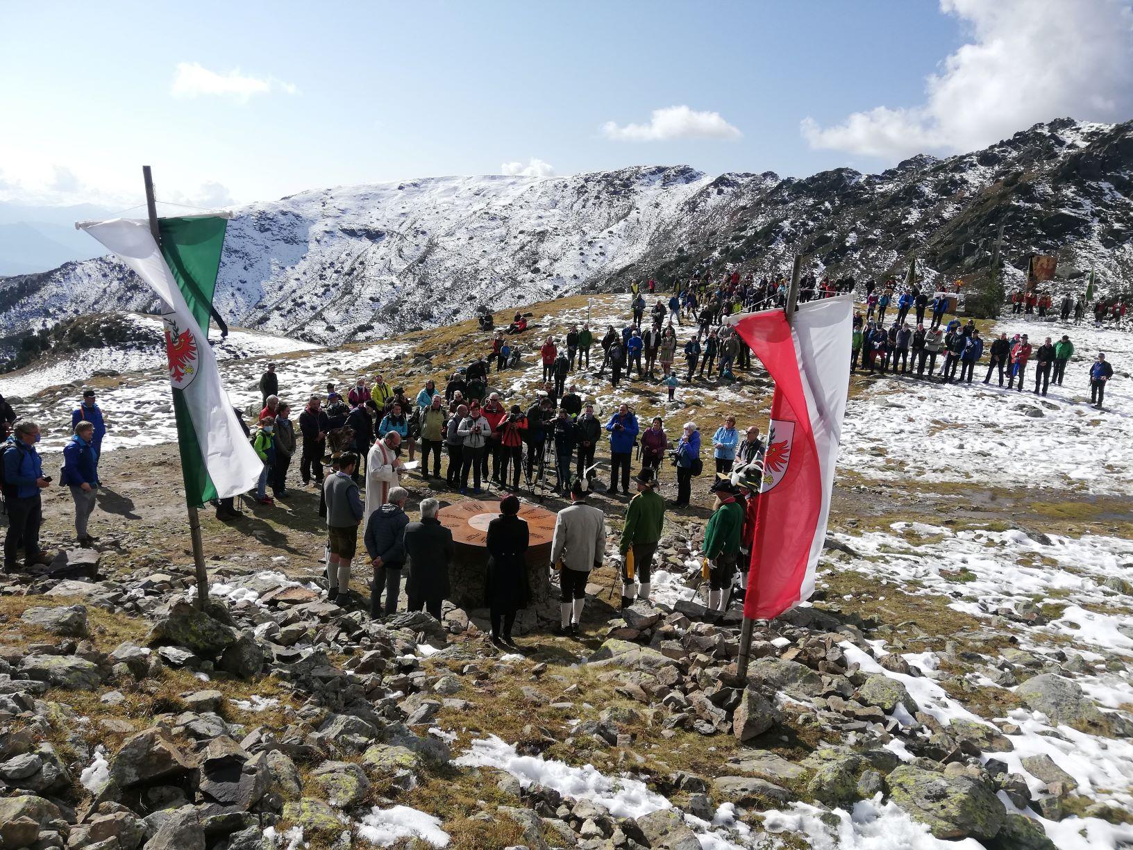 A Lazfons, sopra Chiusa, sabato 10 ottobre l'inaugurazione di un monumento al Tirolo storico, nei 100 anni dalla divisione successiva alla Grande Guerra