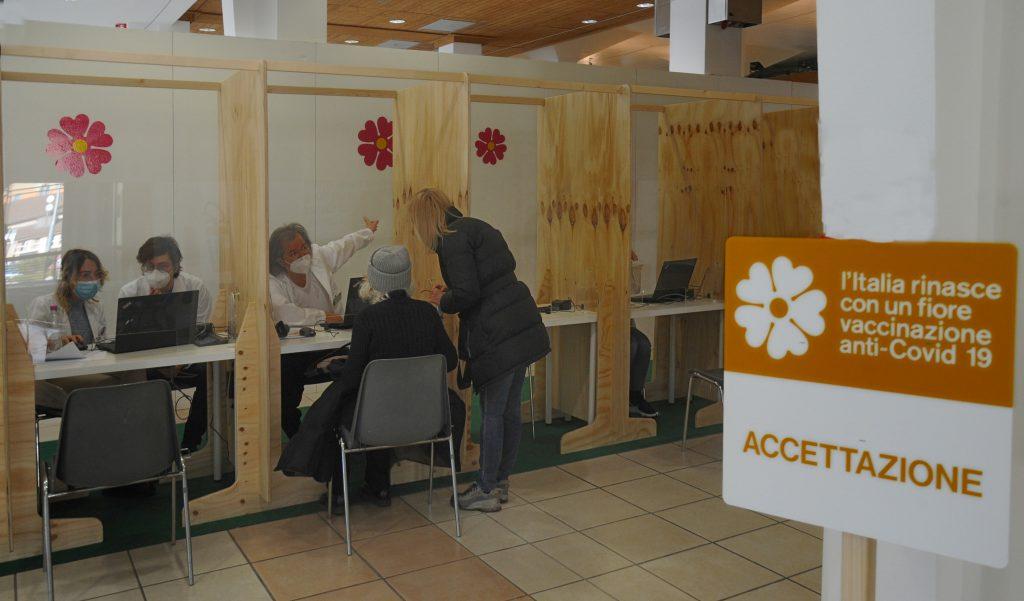 Punto vaccinazioni al Cte di Trento. Foto (c) Zotta